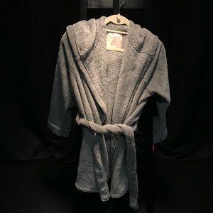 Fuzzy Bath Robe //UNWORN WITH TAGS!//